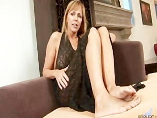 cougar milf nicole moore sucks and receives