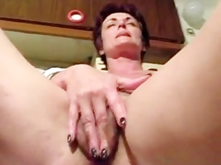 short haired mama masturbating pussy and ass with