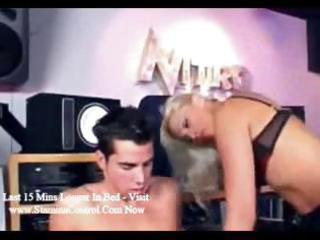 blond d like to fuck knows how to boss her hunky