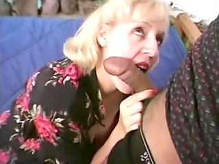 mature chubby pianoteacher receives screwed by