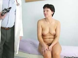 slutty older mama likes getting a check part6