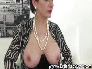 nylons aged lady sonia in sexy lingerie
