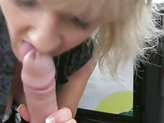 golden-haired d like to fuck goes for a taxi ride