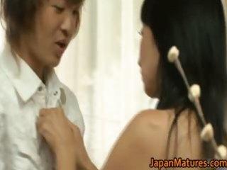japanese mature lady has sex