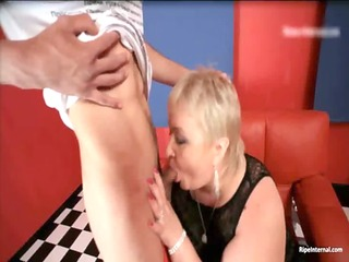 chunky blonde d like to fuck dr lucia blows