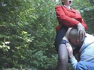 sexy cum-hole engulf in public park