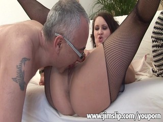 horny english girl getting her pussy filled