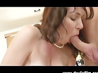 squirting mother i rayveness receives drilled