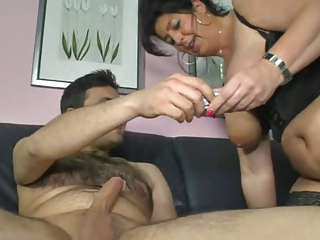 german mom shows chap how to make a woman cum