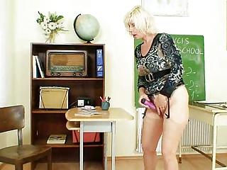 milf teacher can to masturbate after school
