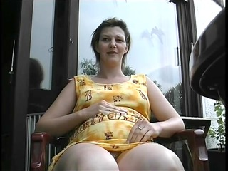 pregnant mother i shaves her pussy before being