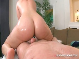big ass chick jumps and tugs her masseurs dick