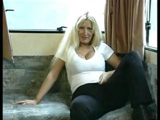 dilettante british mommy toys then her wet pussy
