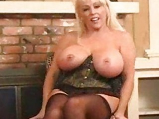 hot breasty mature blonde kandi koxx solo