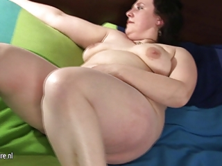 big older mom playing with her bushy slit
