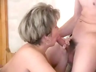russian mature fucking with 10 young on the daybed