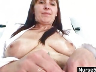 aged mommy karin shows off hairy snatch extreme