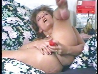 kinky mother i masturbates and uses large toy dong