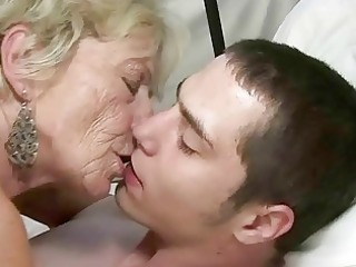 granny and chap enjoying hard sex