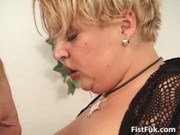 bulky older blonde acquires her wet crack