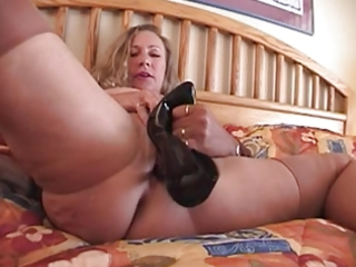 fucll fashion nylons aged breasty with high heel