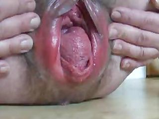 extraordinary gaping granny cum-hole