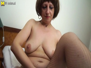 hawt amateur mother of two playing with her juicy