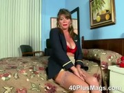 see this extreme hawt mature brunette