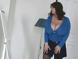 busty, overweight brunette hair trying on