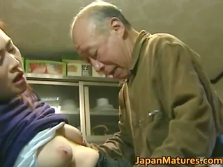 japanese milf enjoys sexy sex