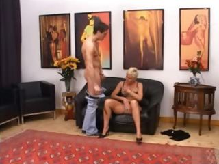 blonde mature having cookie fisted hard