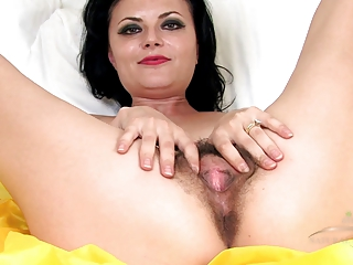 older unshaved vivienne squirts on the daybed